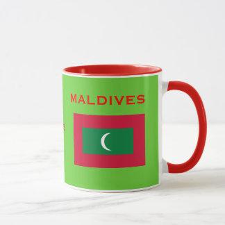 Escudo de armas de Maldives* y taza de la bandera