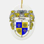 Escudo de armas de Ortega/escudo de la familia Adorno Navideño Ovalado De Cerámica