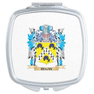 Escudo de armas de Regan - escudo de la familia Espejos Maquillaje