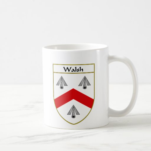 Escudo de armas de Walsh/escudo de la familia Taza Básica Blanca