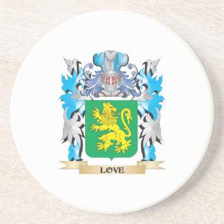 Escudo de armas del amor - escudo de la familia posavasos cerveza