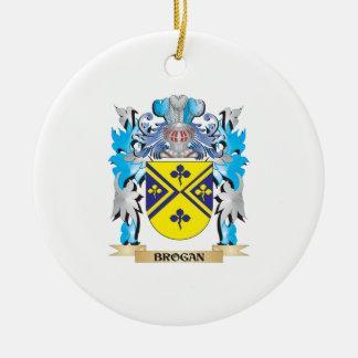 Escudo de armas del Brogan Adorno Redondo De Cerámica