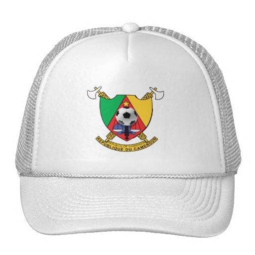 Escudo de armas del emblema del balón de fútbol de gorras de camionero