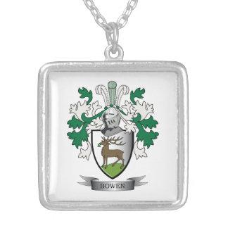 Escudo de armas del escudo de la familia de Bowen Collar Plateado