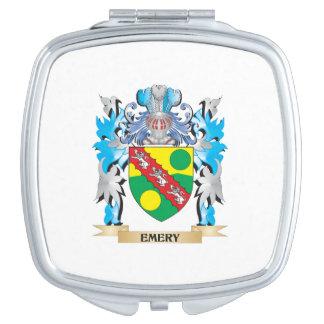 Escudo de armas del esmeril - escudo de la familia espejo maquillaje