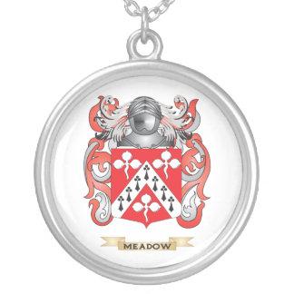 Escudo de armas del prado (escudo de la familia) colgante redondo