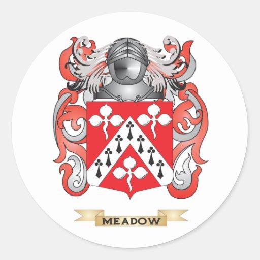 Escudo de armas del prado (escudo de la familia) etiqueta redonda