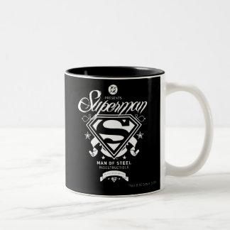 Escudo de armas del superhombre taza