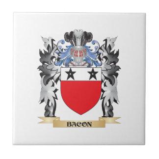 Escudo de armas del tocino - escudo de la familia azulejo cuadrado pequeño