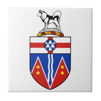 Escudo de armas del Yukón Teja