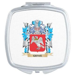 Escudo de armas grave - escudo de la familia espejos compactos