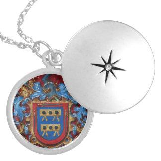 Escudo de armas medieval collar redondo