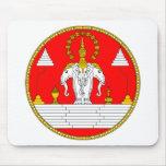 Escudo de armas real de Laos Alfombrillas De Ratones