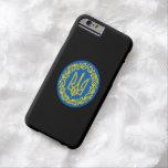 Escudo de armas ucraniano funda de iPhone 6 barely there