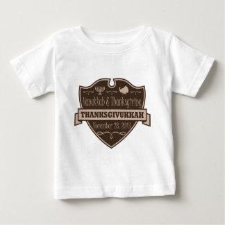 Escudo de Brown Thanksgivukkah Tee Shirt