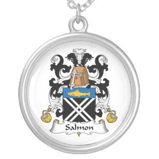 Escudo de color salmón de la familia colgantes personalizados