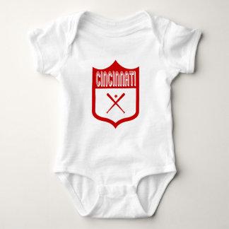 Escudo de encargo Design2 de Cincinnati Tshirts