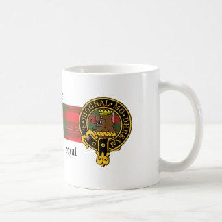 Escudo de Grier y taza escoceses del tartán