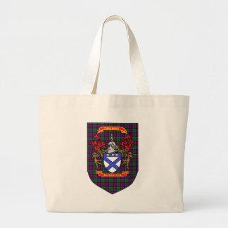 Escudo de Kirkpatrick en el tartán de la púrpura d Bolsa