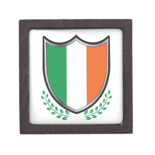 Escudo de la bandera de Irlanda con los laureles Caja De Joyas De Calidad