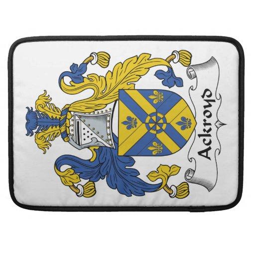 Escudo de la familia de Ackroyd Funda Para Macbooks