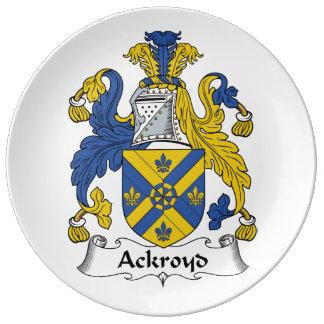 Escudo de la familia de Ackroyd Platos De Cerámica
