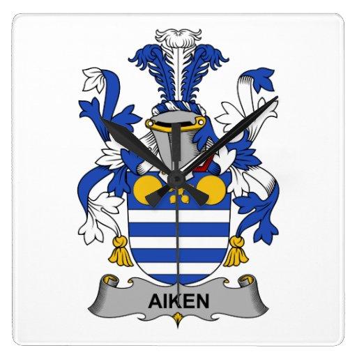 Escudo de la familia de Aiken Reloj Cuadrado