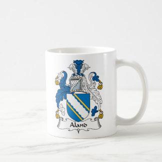 Escudo de la familia de Aland Taza Básica Blanca