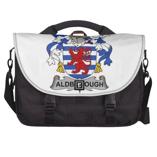 Escudo de la familia de Aldborough Bolsas De Portátil