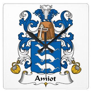 Escudo de la familia de Amiot Relojes De Pared