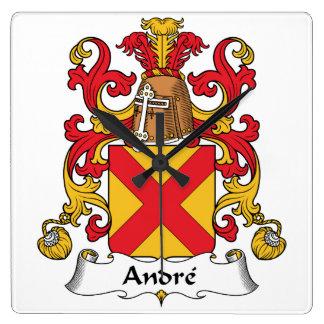 Escudo de la familia de Andre Reloj Cuadrado