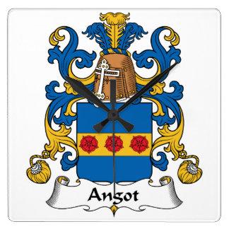 Escudo de la familia de Angot Relojes De Pared