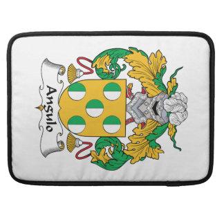 Escudo de la familia de Angulo Fundas Macbook Pro