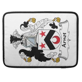 Escudo de la familia de Arnot Fundas Macbook Pro