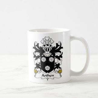 Escudo de la familia de Arthen Taza Básica Blanca