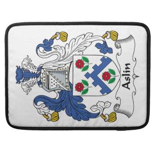 Escudo de la familia de Aslin Fundas Para Macbook Pro
