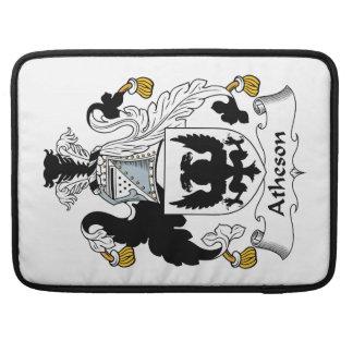 Escudo de la familia de Atheson Fundas Para Macbooks