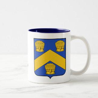 Escudo de la familia de Aubin y taza de la