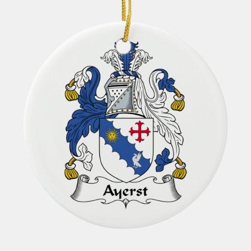 Escudo de la familia de Ayerst Adorno Redondo De Cerámica