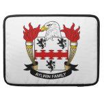 Escudo de la familia de Aylwin Funda Para Macbook Pro
