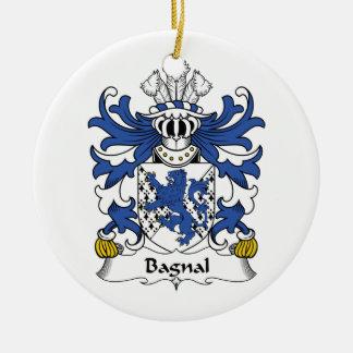 Escudo de la familia de Bagnal Adorno Navideño Redondo De Cerámica