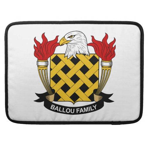Escudo de la familia de Ballou Funda Macbook Pro