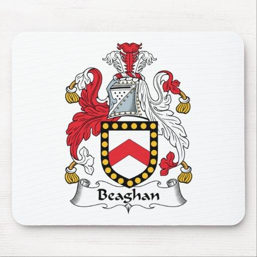Escudo de la familia de Beaghan Tapetes De Ratones