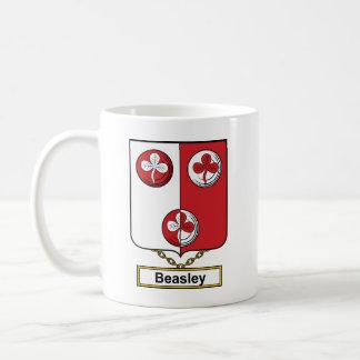 Escudo de la familia de Beasley Taza Básica Blanca