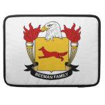 Escudo de la familia de Beeman Funda Para Macbook Pro