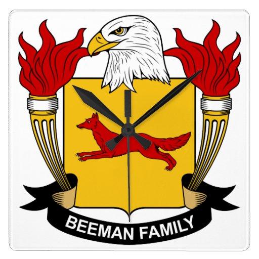 Escudo de la familia de Beeman Relojes De Pared