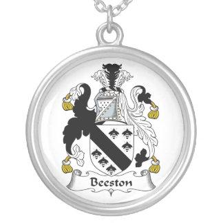 Escudo de la familia de Beeston Pendientes Personalizados