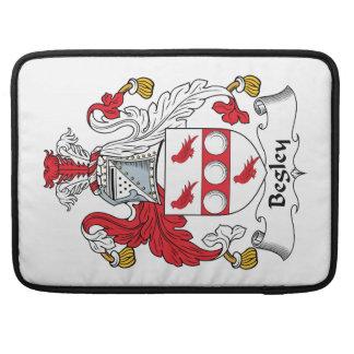 Escudo de la familia de Begley Fundas Para Macbooks