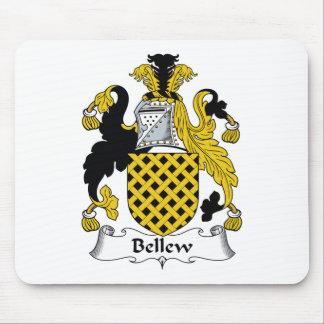 Escudo de la familia de Bellew Alfombrillas De Ratón