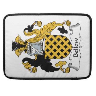 Escudo de la familia de Bellew Funda Para Macbooks
